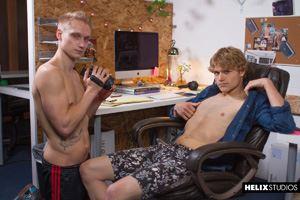 Max Carter captures sexy Robin Moore from Kansas making masturbation 7