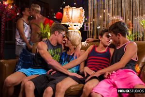 Max Carter, Kyle Ross, Evan Parker, Tyler Hill, Blake Mitchell and Joey Mills 7